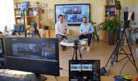 Mūsų gimnazija dalinasi hibridinio mokymo patirtimi su Lietuva